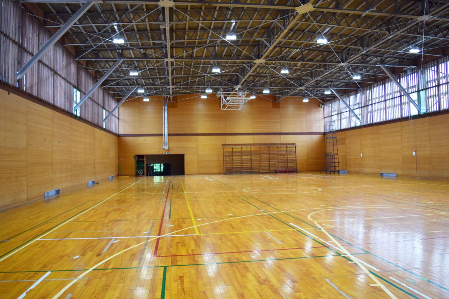 検見川総合運動場 体育館